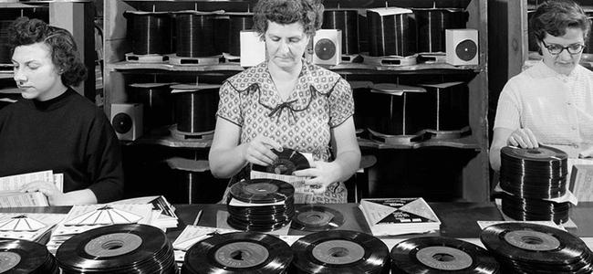 實體唱片回歸勢不可檔 !? 新力音樂宣布明年將再度發行黑膠唱片 !